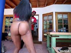 Ebony big butt loves getting dick. Nikki Ford