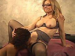 Nina Hartley's Pussy Party, Scene #1
